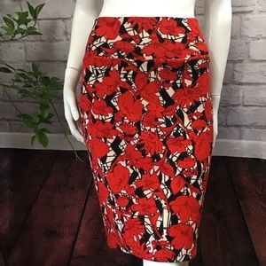 🆕🌻 SALE! 3/$20 Red floral large pencil skirt